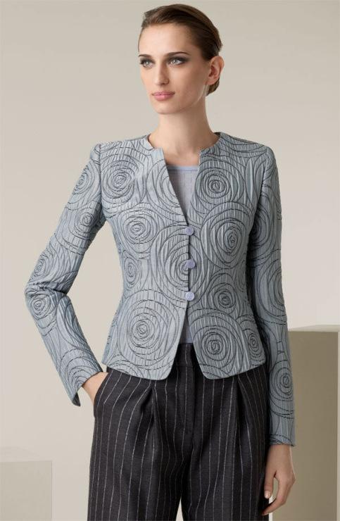 Салон-ателье BELLISIMA предлагает индивидуальный пошив изысканных женских жакетов и костюмов из роскошных