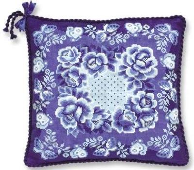 """Буклет схем для вышивки крестом подушки в стиле  """"гжель """".  В буклете: листы со схемами (цветные), подбор ниток."""